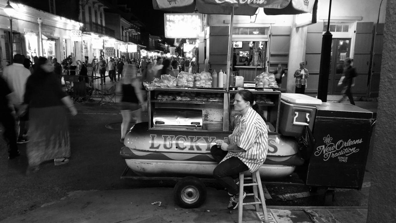 Lucky_Dogs_Vendor_French_Quarter