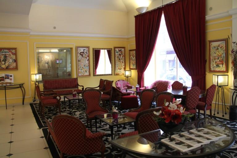 foyer_Century Hotel_2015_pre-reno