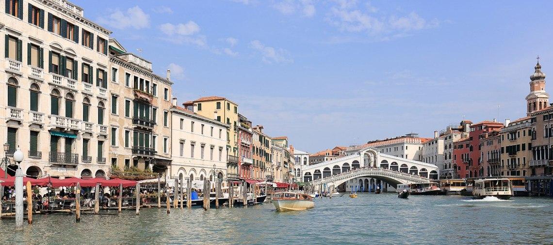 1280px-Panorama_of_Canal_Grande_and_Ponte_di_Rialto,_Venice_-_September_2017