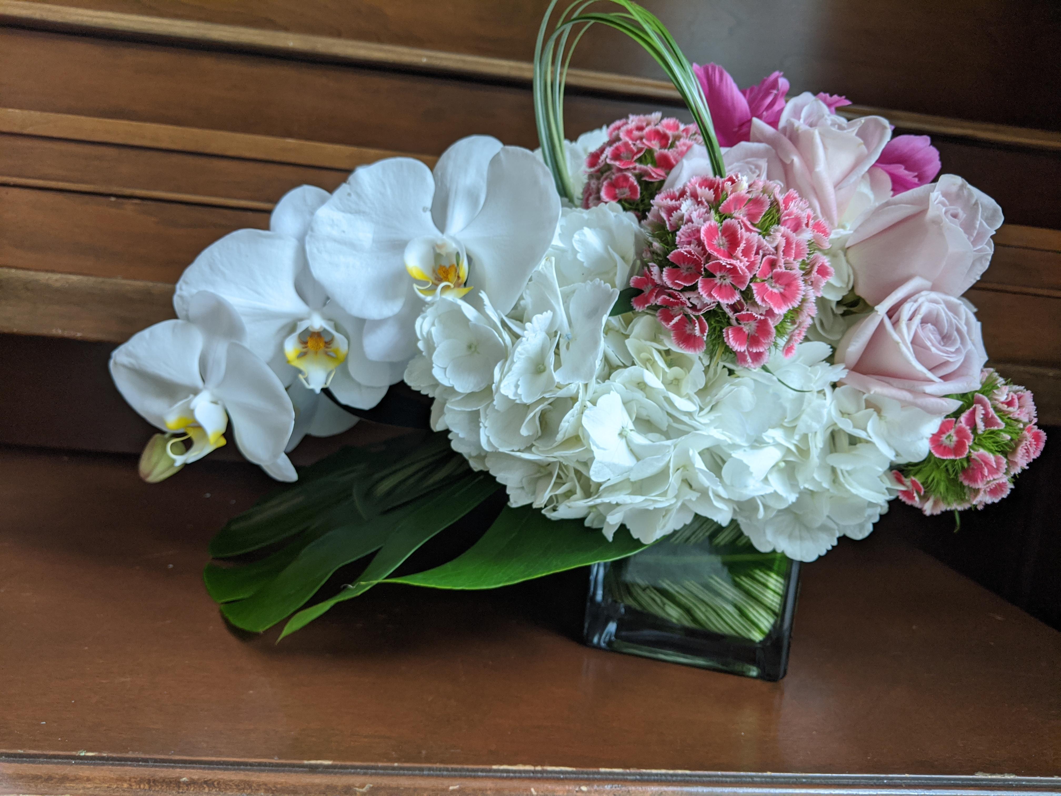 Orchids_in_Gift_Flower_Arrangement