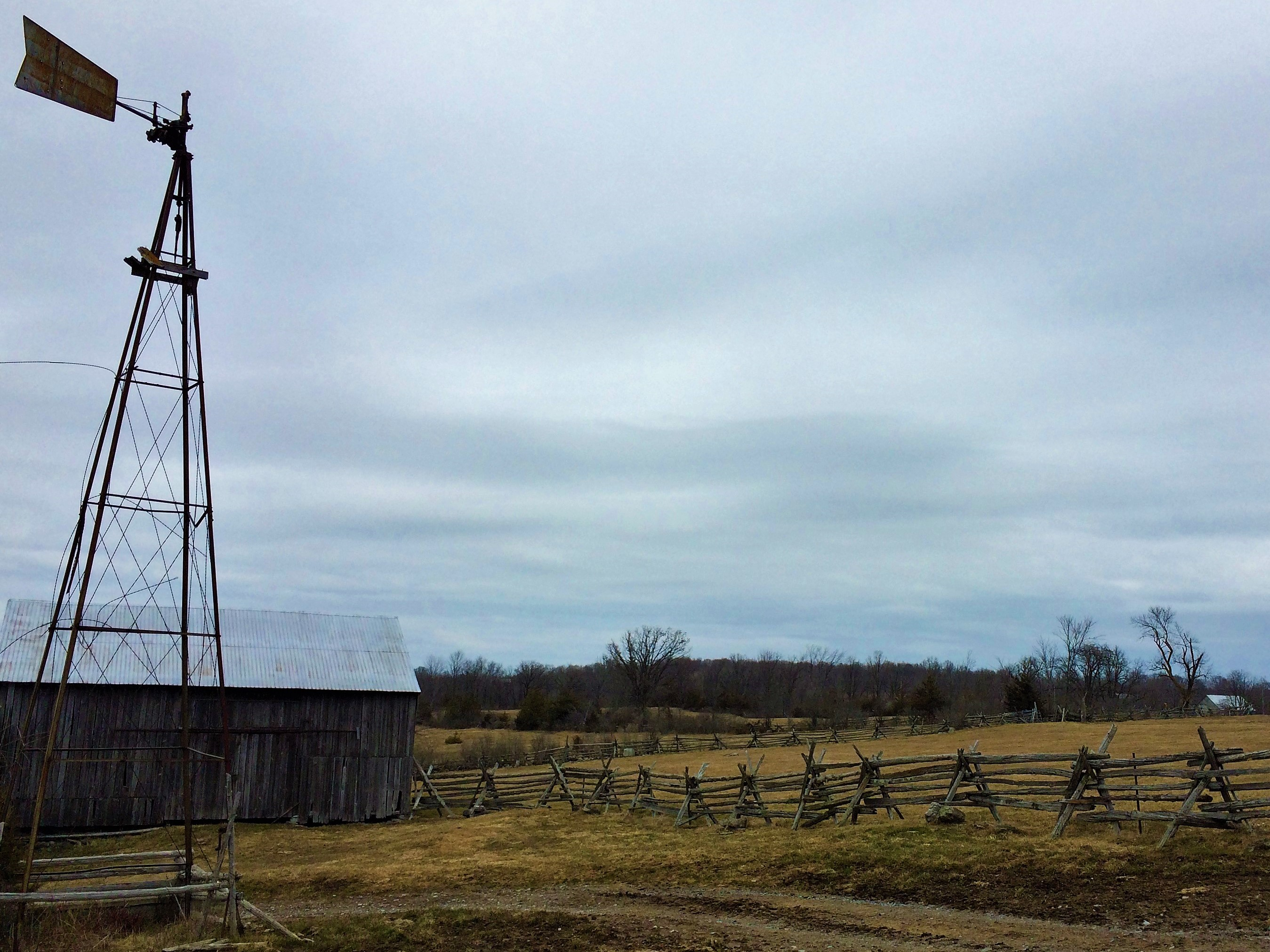 Holleford_Ontario_4._Windmill_and_split-rail_fence_Crater_Farm